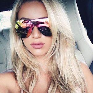 435e1d4cb6a90 Quay Australia Accessories - Sale!! 🔥 New case Quay Showtime Sunglasses  Pink